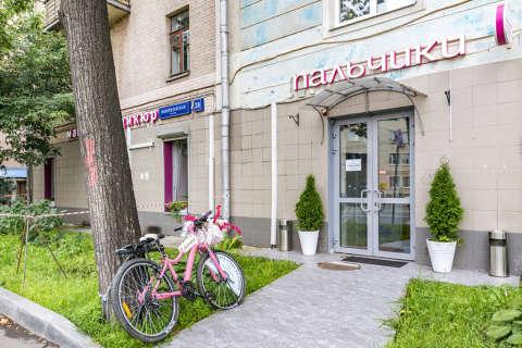 Вход в маникюрный салон ПАЛЬЧИКИ на Бауманской